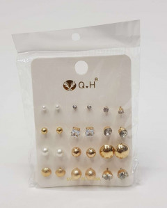 12 Sets Of Earrings