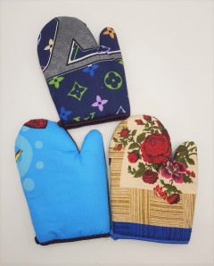 3 Pcs Handmade Kitchen Mittens with Fabric Applications